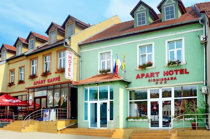 Large two bedrooms apartment - Sighișoara - Pis