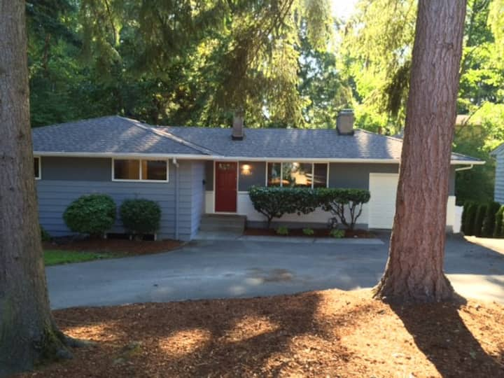 Newly Remodeled Beautiful Large 3 Bedroom Duplex
