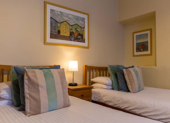 Twin Room @ The Gables Guesthouse, Ambleside