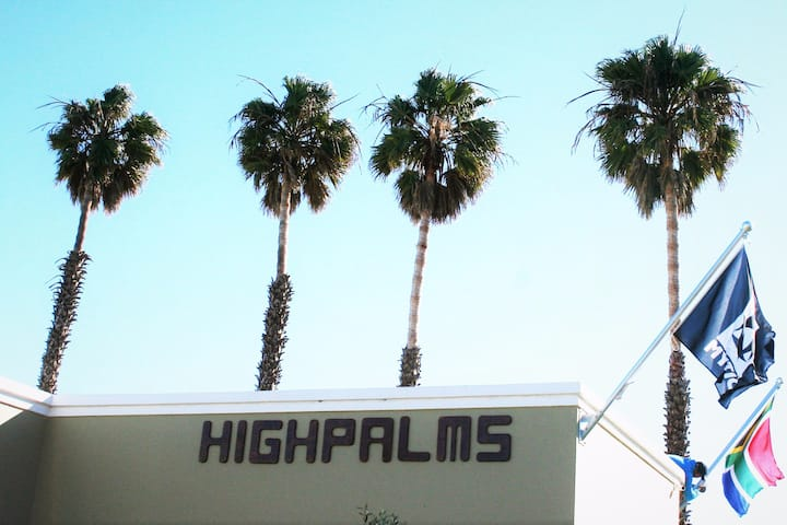 High Palms (HPK)Guesthouse & kite school, s/c flat