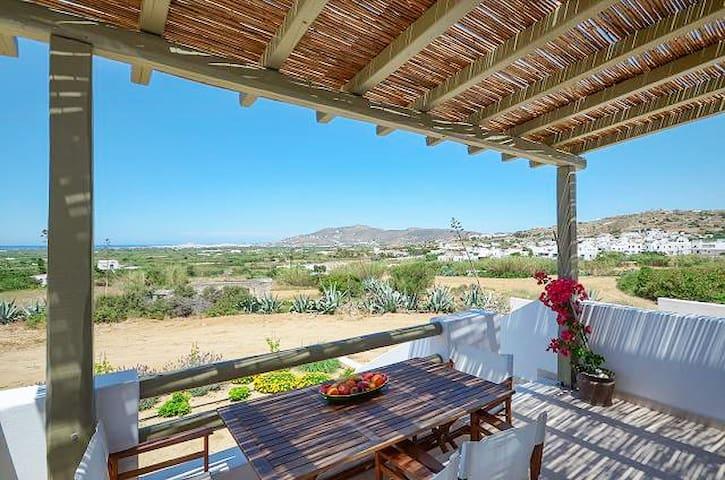 Spacious villa w/ gorgeous views - Ag. Arsenios - House