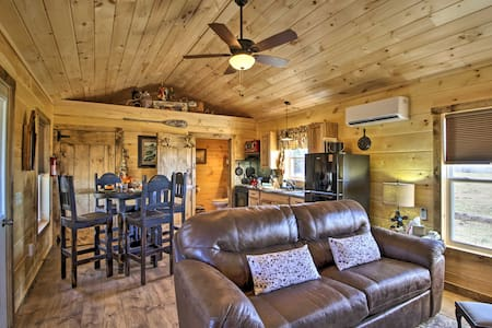 Cabin Close to Branson and Table Rock Lake!