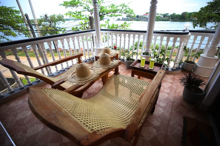 Neverbeen to Lagoon Town (Private Apartment)