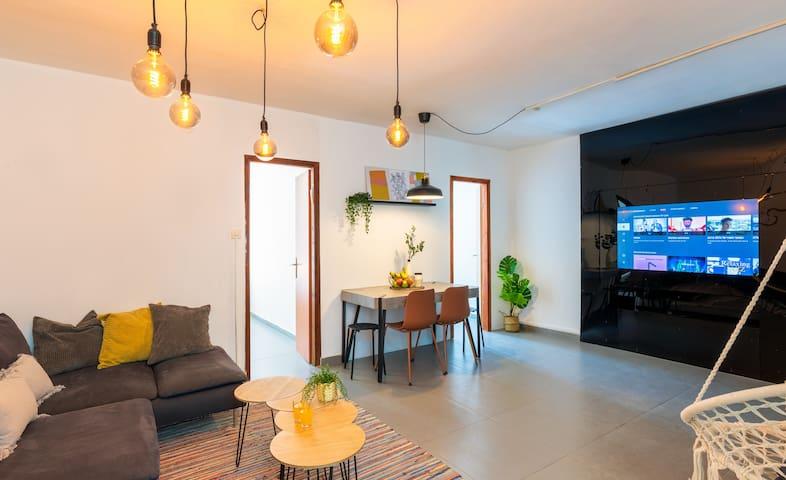 Spacious Apartment Near By Rothschild Boulevard