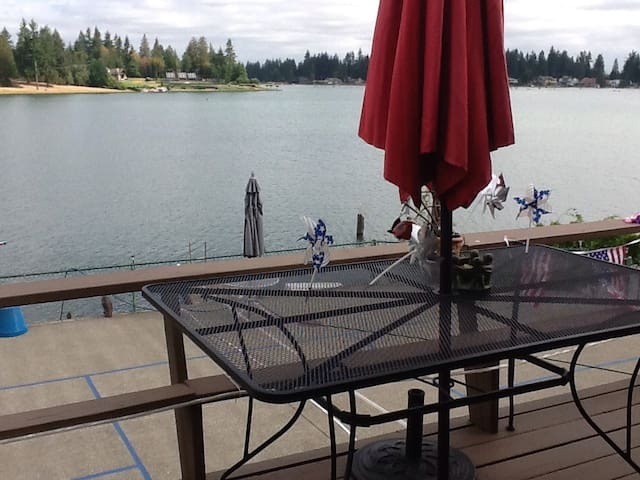 Relax by the lake - Bonney Lake - Hus