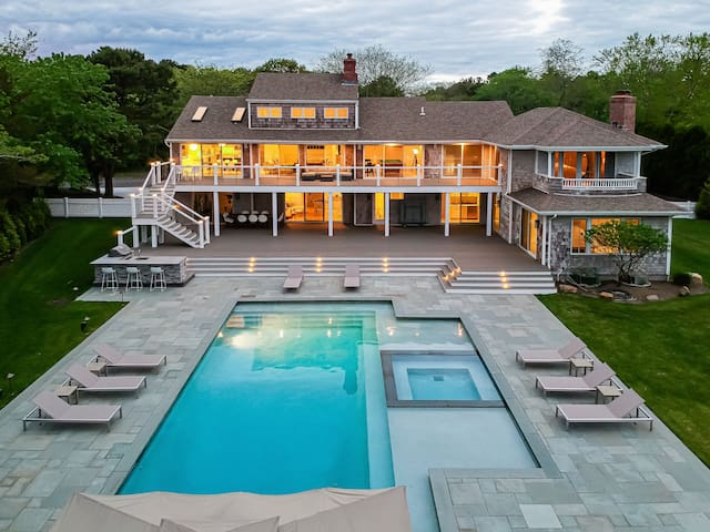 Luxury Villa in Southampton