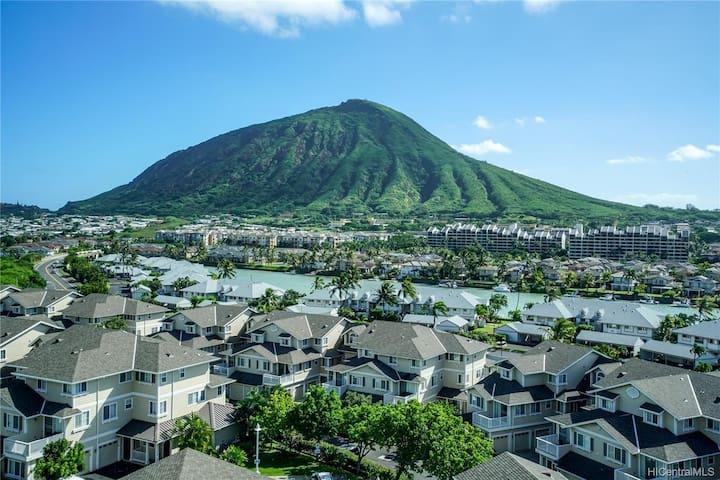 Hawaii Kai Condo-3bedroom/3bathroom/2parking