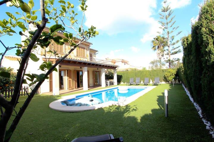 Puerto Adriano's Villa
