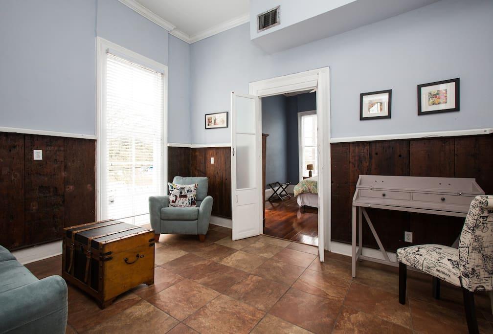 the stanley 1 block from frenchmen chambres d 39 h tes louer la nouvelle orl ans louisiane. Black Bedroom Furniture Sets. Home Design Ideas
