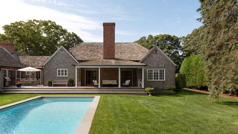 Stylish Wainscott Shingle