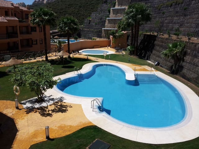 Luxury apartment with pools and Calanova golf view