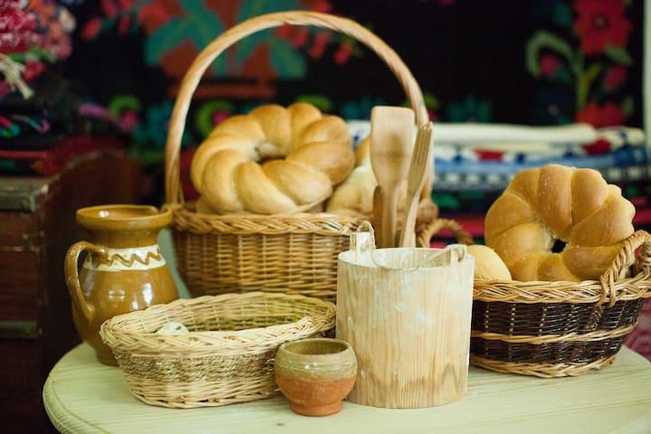 La Gura Cuptorului & Muzeul Painii (Bread Museum)