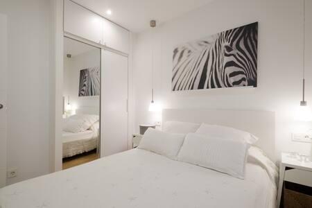 Pequeño y moderno apartamento en Pleno Centro.