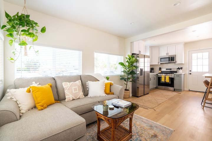 All New! 1 Bedroom w/ Patio 1 Block From the Beach