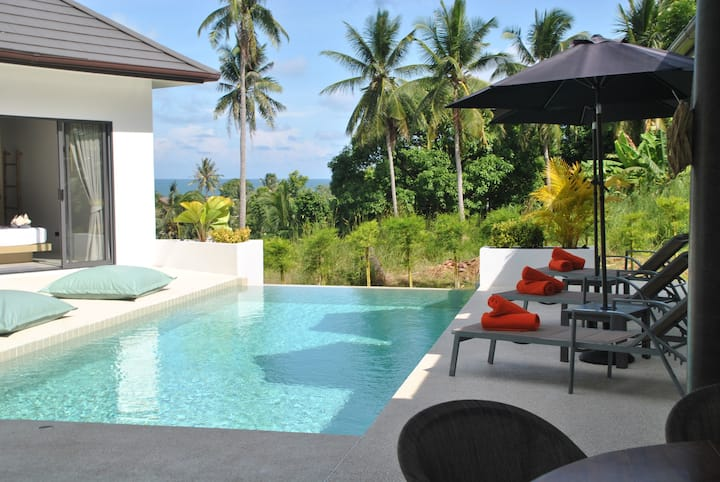 Elegant Pool Villa close to the beach