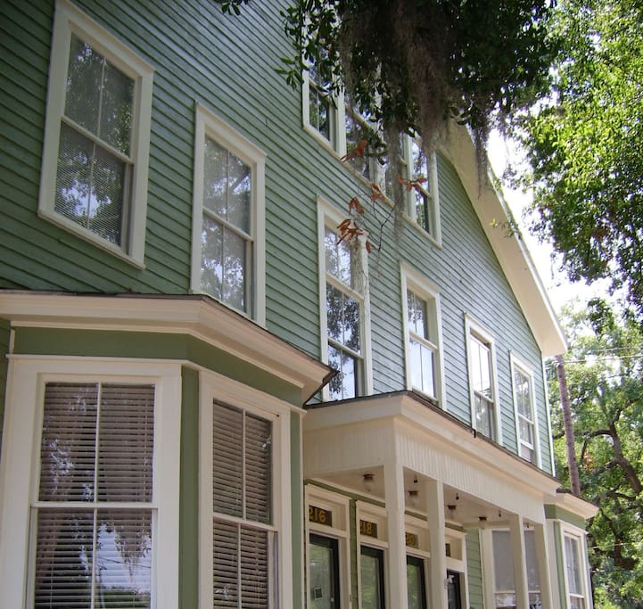 Fully renovated home in the heart of Savannah's landmark historic district