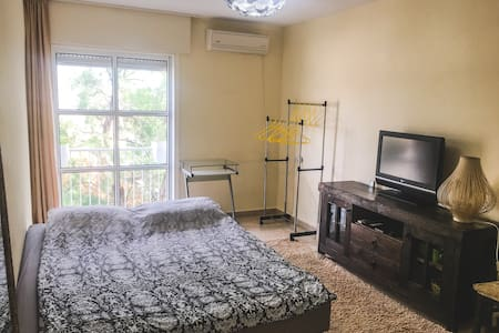 Excellent room in the center of coastal town Atlit