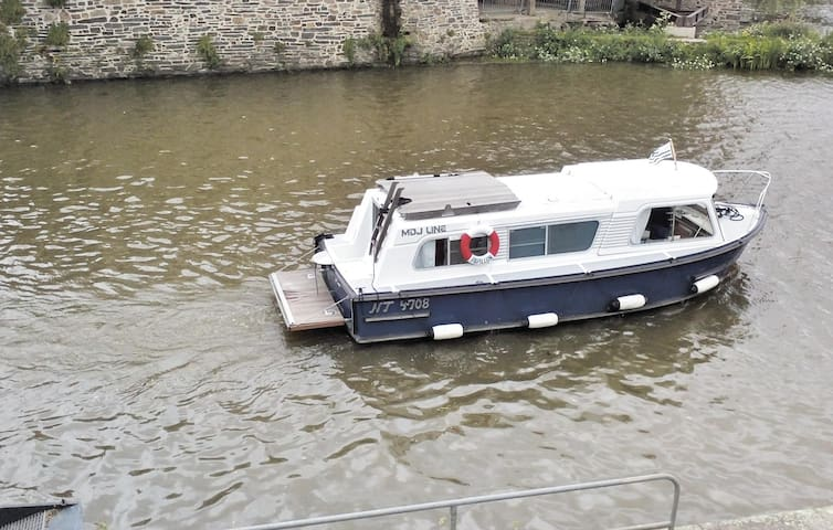 Houseboat with 1 bedroom on 20m² in Messac