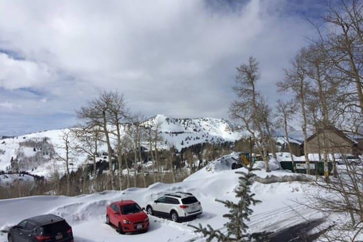 Ski-In/Ski-Out 1BR Powder Ridge at Powder Mountain