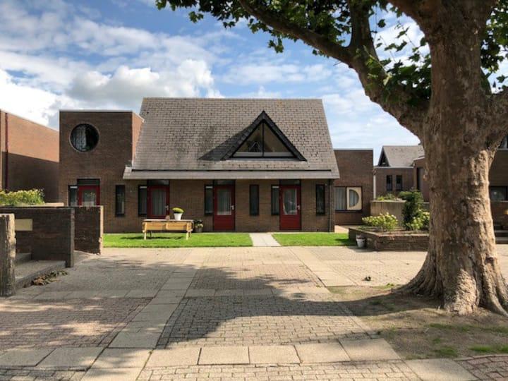 Luxe Bosvilla De Steenbok nabij bos en IJsselmeer