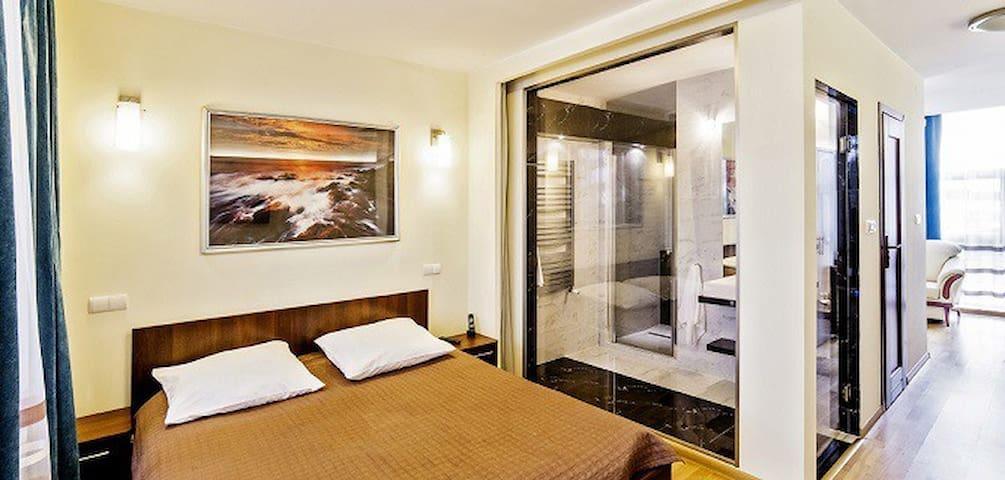 Hotel Dobczyce Jałowcowa Góra widok na jezioro