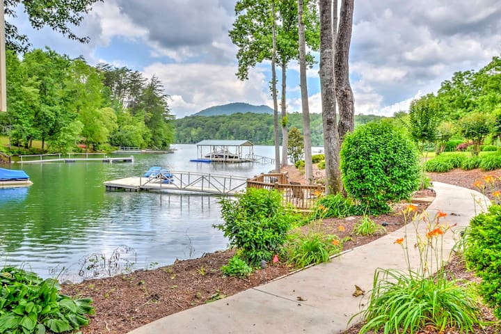 Impressive 5BR Young Harris Home w/Private Dock