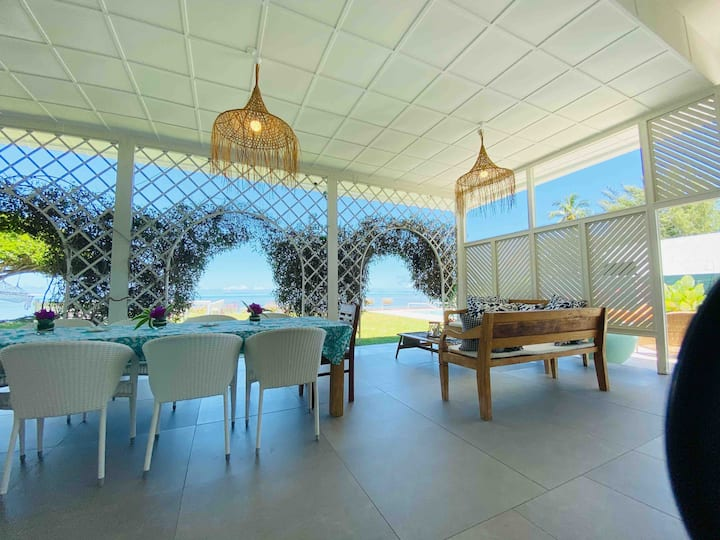Le Ficus : Grande villa bord de mer avec piscine