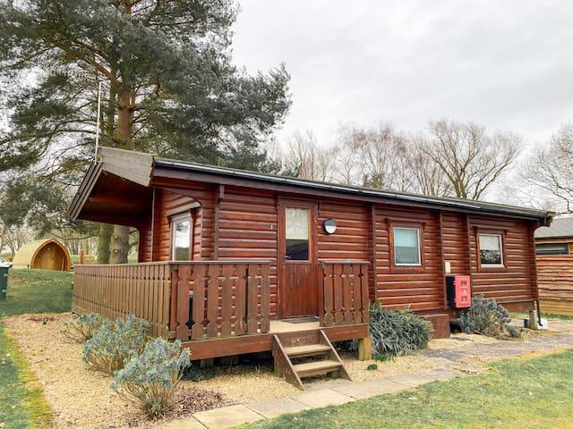 Woodlakes Parkside Log Cabin