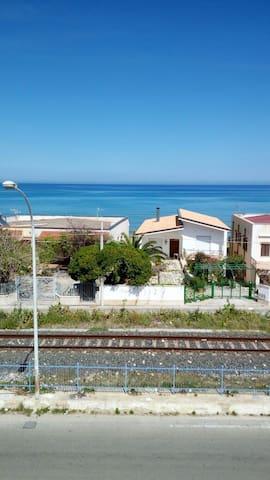 Casa Mary ad Alcamo Marina, a due passi dal mare - Alcamo - Flat