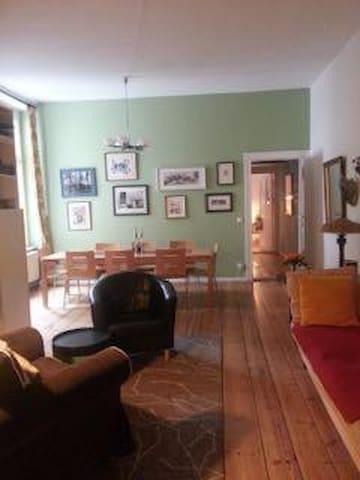Bedroom in Large Stylish Schoeneberg Apartment