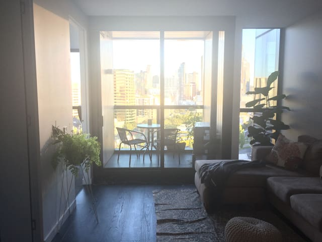 Luxurious North Melbourne apartment with city view - North Melbourne - Apartment