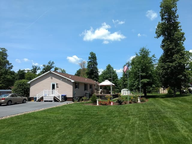 Creek Home Close to All Carlisle Offers!