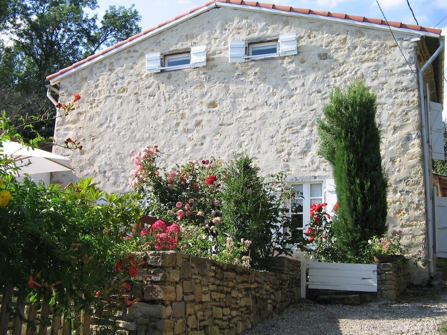 Maison rustique en moyenne montagne casas en alquiler en sautel occitanie francia - Casas de alquiler en francia ...