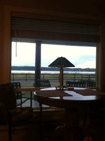 Cozy cottage, across street from the beach - Bellingham - Cabaña