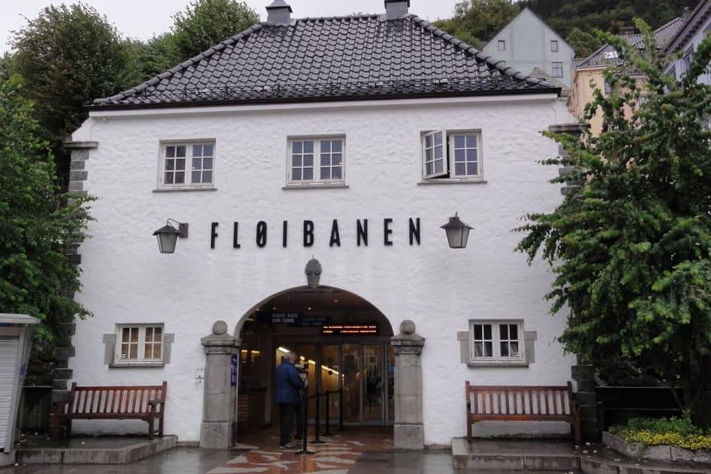The very near by Funicular base station and its main entrance. Gives you easy access to Mt. Fløyen view point.