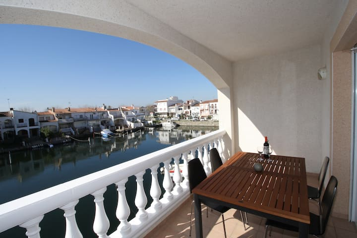 New 2BR apartment with pool and magnificent views