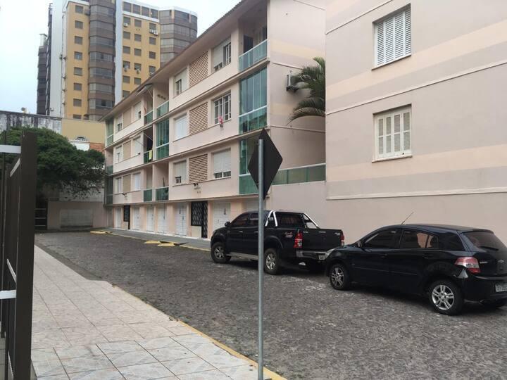 Excelente apartamento no Centro de Capão da Canoa