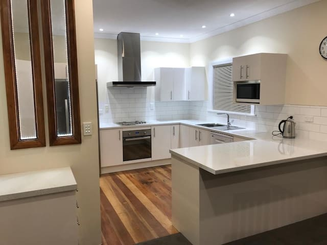 Villa 185- NEW- free WiFi- Central Masterton