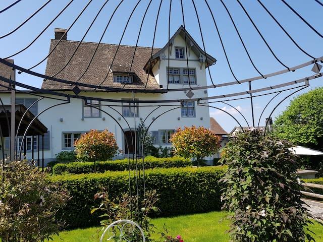 BnB Elsenerhaus Zimmer Sommer