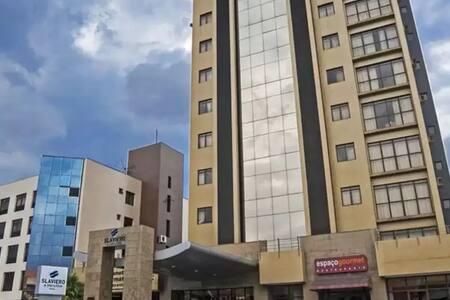 FLAT tipo apart hotel, num prédio onde havia hotel