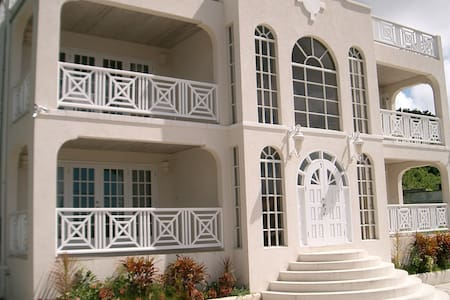 Mullins Luxury Beach Villa Apartments Barbados - Mullins - Flat