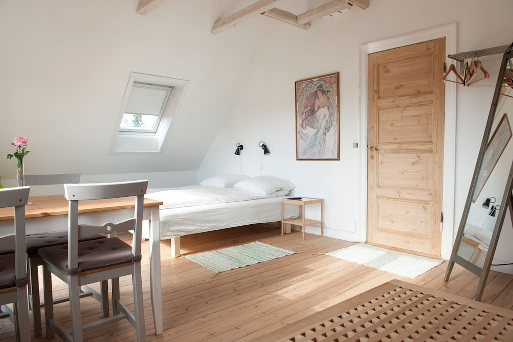 bed and breakfast in copenhagen up to 6 persons chambres d 39 h tes louer valby danemark. Black Bedroom Furniture Sets. Home Design Ideas