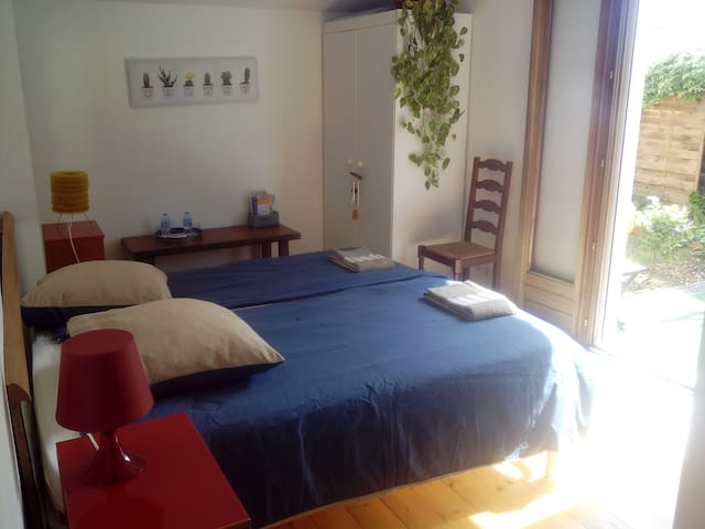 Nice bedroom near Montpellier - Villeneuve-lès-Maguelone - Bed & Breakfast