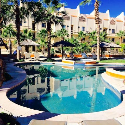 2 bed/2 bath Condo in Hotel Zone! - San José del Cabo - Appartement