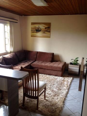 Casa confortável no Pilarzinho