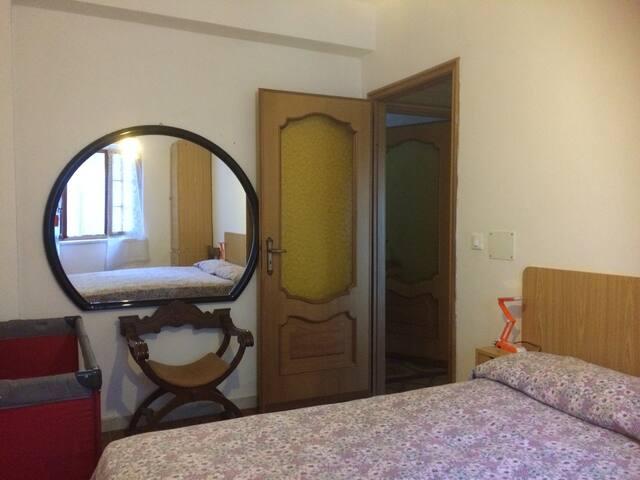 Ampio alloggio con giardino vista mare - Noli - Apartment