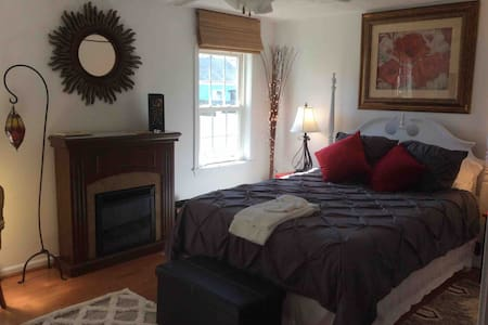 Garden Grace Ideal for Airport Travelers