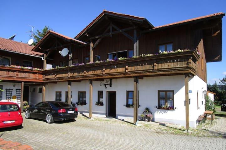 Ferienhaus Marion Bogen in idyllischer Lage