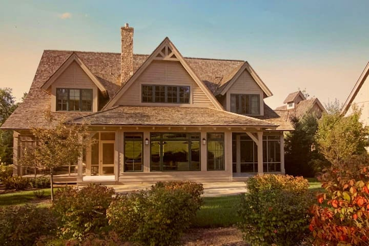 Greenbrier Luxury Cottage