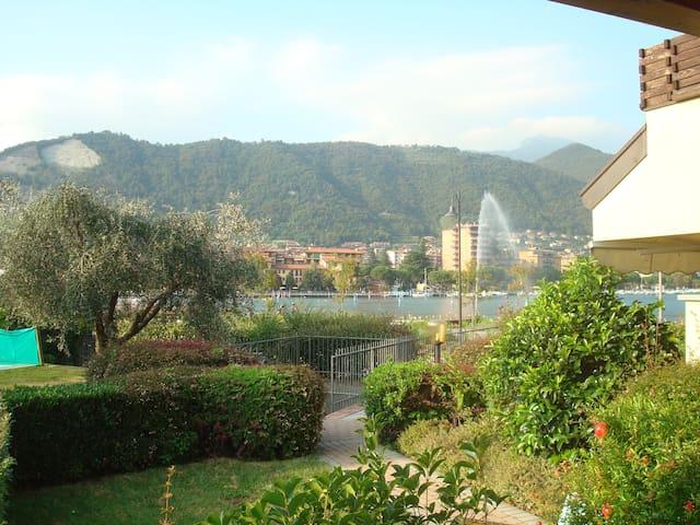 Casa vista lago, giardino e piscina - Paratico - Casa
